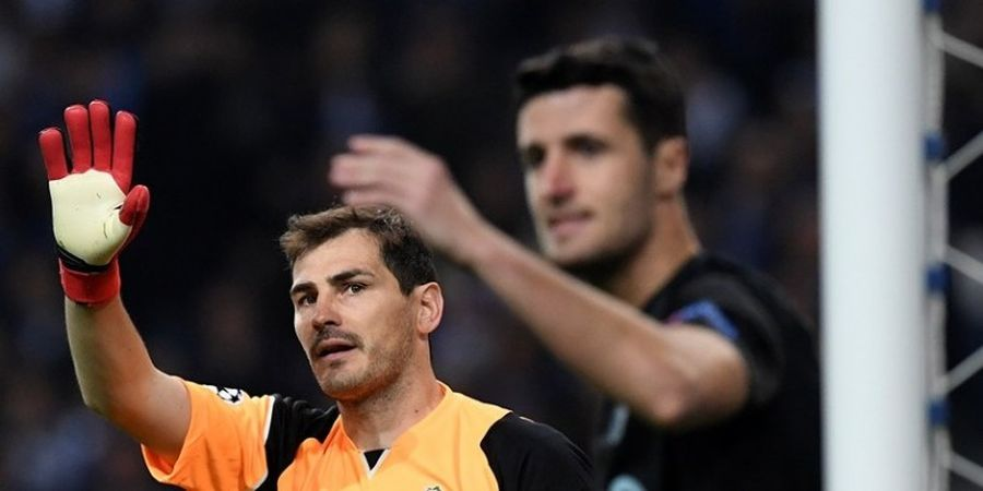 Legenda Liverpool Mentahkan Rumor Casillas ke Anfield