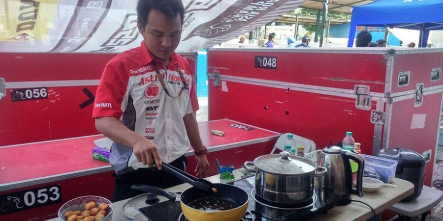 Cegah Diare, Tim AHRT Indonesia Memasak Sendiri di India