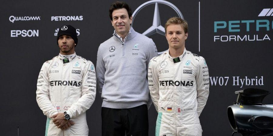 Ternyata Begini Hubungan Bos Mercedes dan Lewis Hamilton