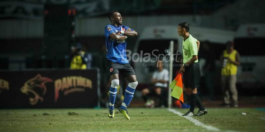 VIDEO - Gol Akrobatik Memukau Guy Junior Hunjam Gawang PSMS Medan