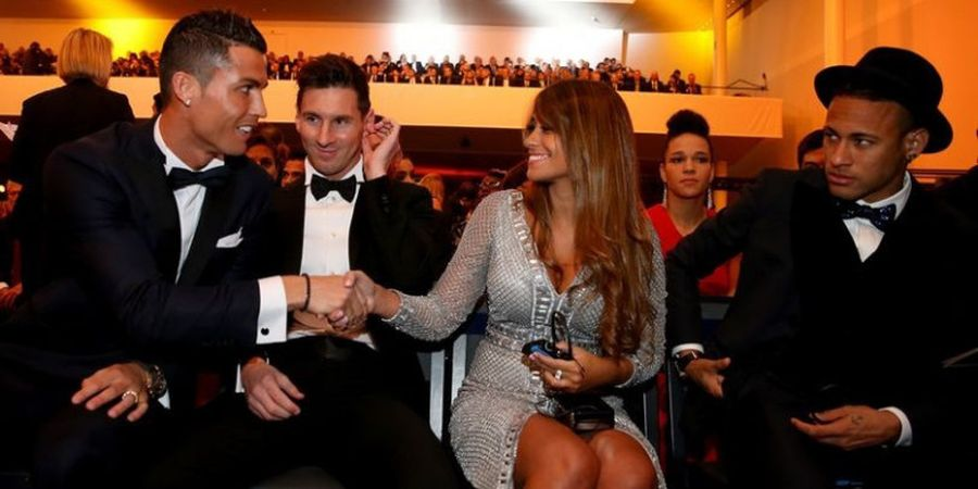 GALERI FOTO - Inilah Momen Cristiano Ronaldo Saat Hadir dalam Acara The Best FIFA Football Awards 2017