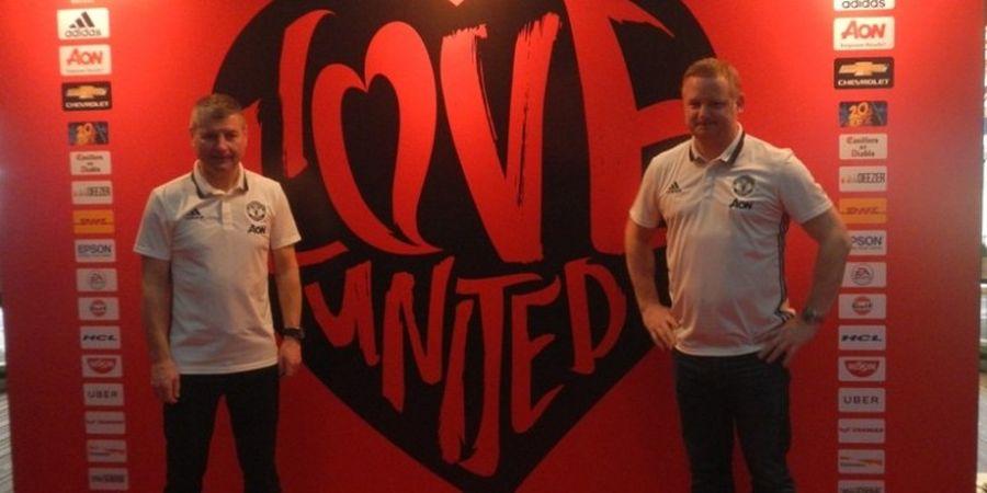 Legenda Man United Suka dengan Formasi Tiga Bek Ala Mourinho