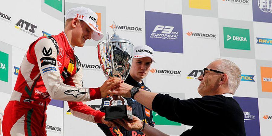 Bos Mercedes Beri Pujian pada Putra Michael Schumacher