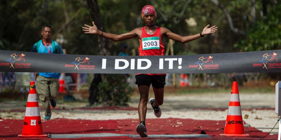 Rhino X Triathlon Berlangsung Ketat dan Penuh Tantangan