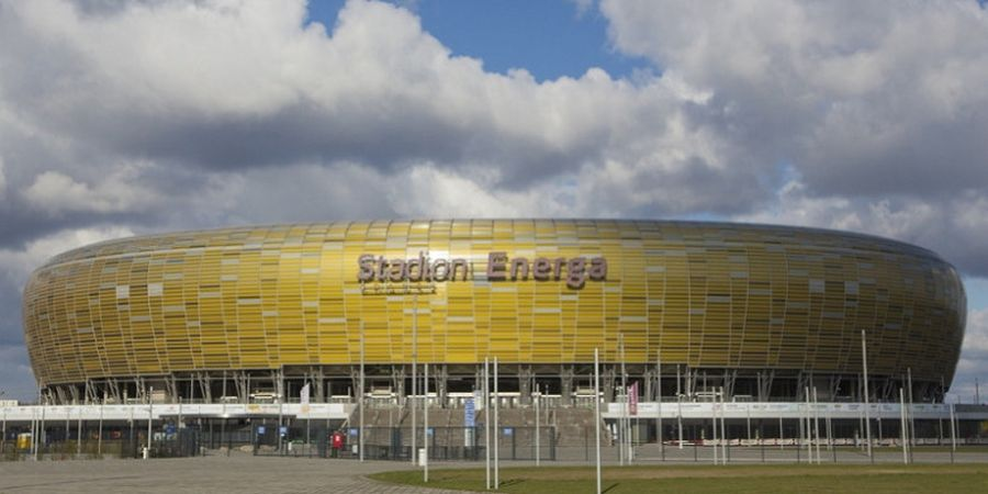 Setelah Jersey, Kini Logo PayTren Juga Hiasi Markas Lechia Gdansk