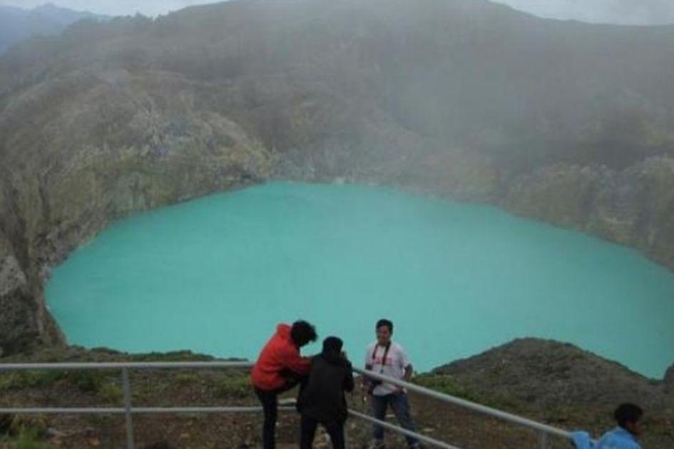 Uniknya Danau Kelimutu Bikin Kunjungan Wisatawan Naik Terus Semua Halaman Grid