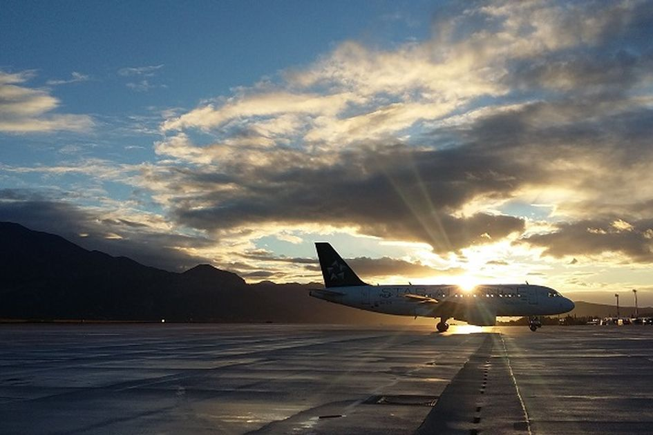 Gegara Harga Tiket Mahal Hingga Harus Bayar Ekstra Untuk Bagasi Pesawat Jurusan Padang Jakarta Terpaksa Terbang Dengan 4 Penumpang Semua Halaman Grid Id