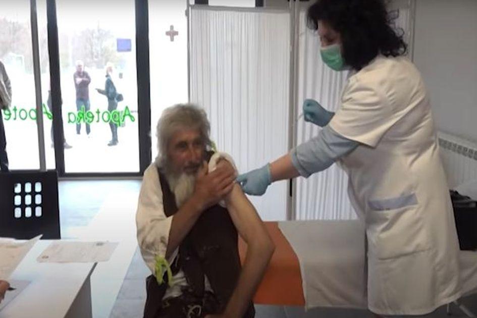 Vaksinasi Covid-19 Jadi Alasan Pria Ini Keluar Dari Gua Persembunyiannya Selama 20 Tahun!