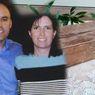 Seorang Pria Hatinya Terguncang Saat Menemukan Sebuah Kotak Berisi Rahasia Istrinya