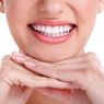 Mau Punya Gigi Putih Alami? Coba Saja Gunakan Kulit Jeruk, Caranya Mudah!