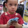Lucunya Tingkah Rafathar Saat Belanja Mainan Pakai Uang THR
