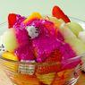 Tutup Makan Malam Dengan Segarnya Salad Buah Yoghurt Merah Ini
