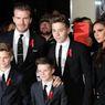 Asyik Liburan di Indonesia, Anak David Beckham Sempat Jatuh Saat Panjat Pohon Kelapa