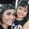 Putrinya Divonis Leukimia, Denada Izinkan Shakira Buat Makan Mi Instan Pedas, 'Aku Memang Suka'