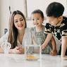 Jadi Single Mom Setelah Diselingkuhi, Lihat Hunian Mewah Cathy Sharon, Dapurnya Elegan Banget!