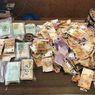 Temukan Uang Rp3,8 Miliar yang Tercecer di Jalan, Pengendara Motor ini Justru Lakukan Hal yang Tak Terduga!