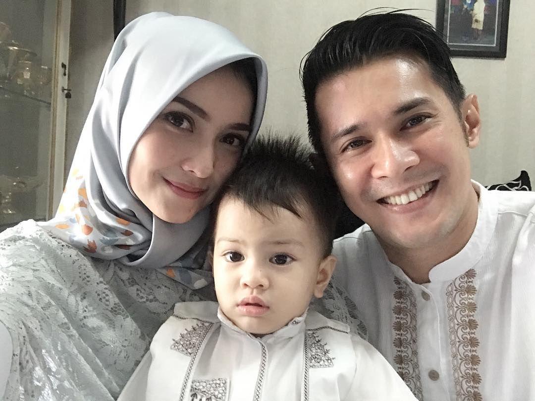Jarang Disorot Pesona Cantik Istri Afdhal Yusman Sukses