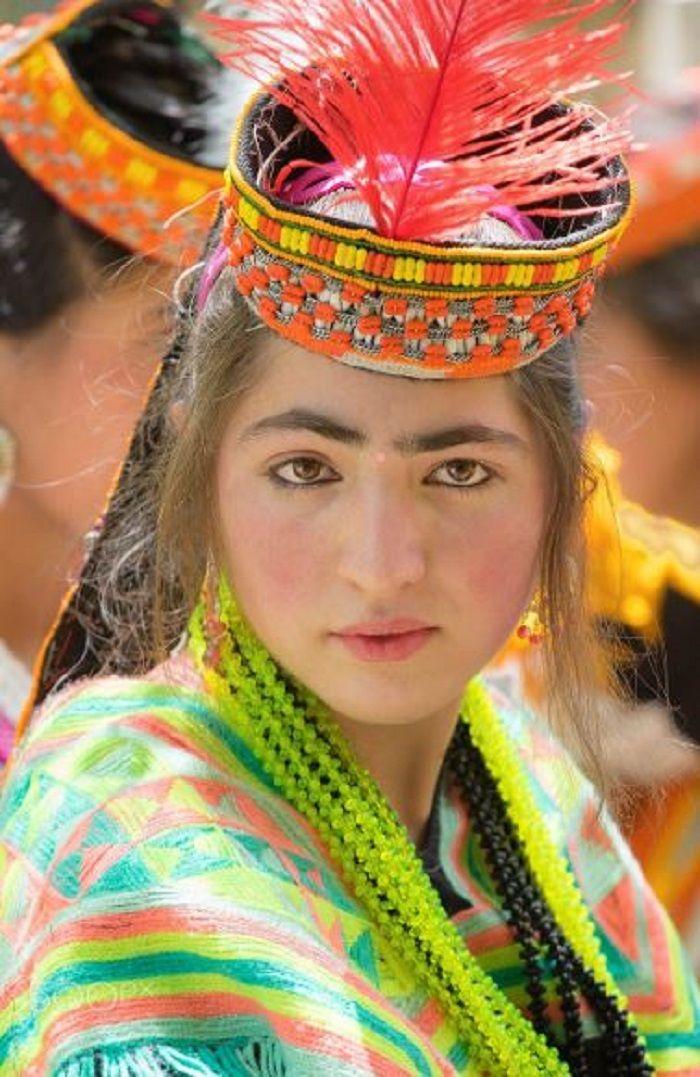 7 Suku di Dunia yang Terkenal dengan para Wanita Cantiknya, Salah ...