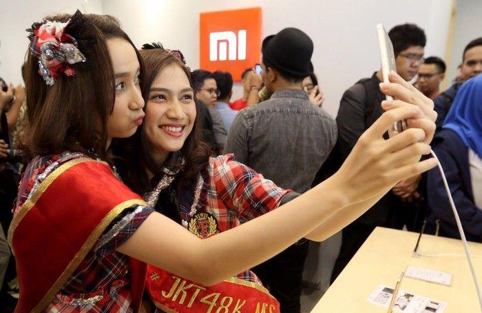 Kemeriahan pembukaan Mi Store di Indonesia