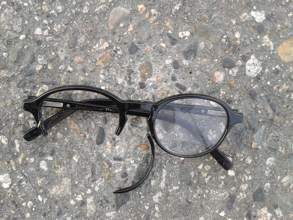 Kacamata Sering Patah Atau Tergores Lakukan Tips Sederhana Ini Yuk Semua Halaman Bobo