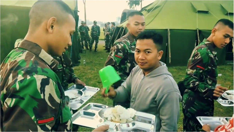 Kumpulan Essay Militer - Gambaran
