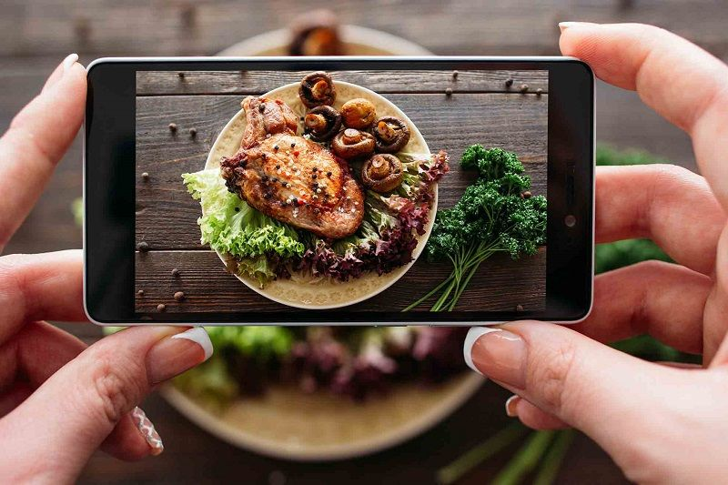 Ilustrasi foto makanan di Instagram