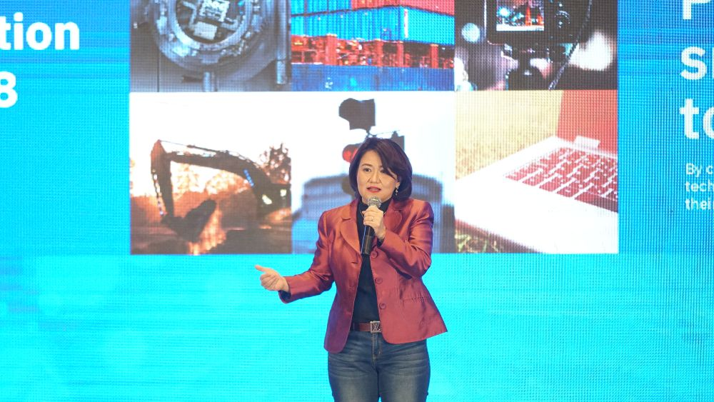 Megawaty Khie (President Director IBM Indonesia) saat membuka IBM BP Solution Sumit 2018