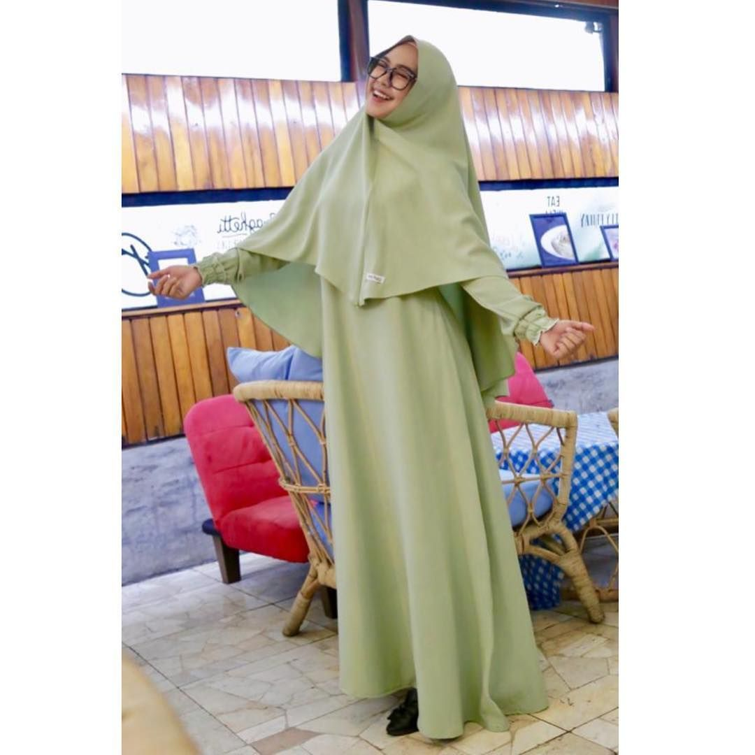 Intip Gaya Hijab Sederhana Dan Santun Ria Ricis Yang Punya Rumah Mewah Di Usia Muda Semua Halaman Stylo