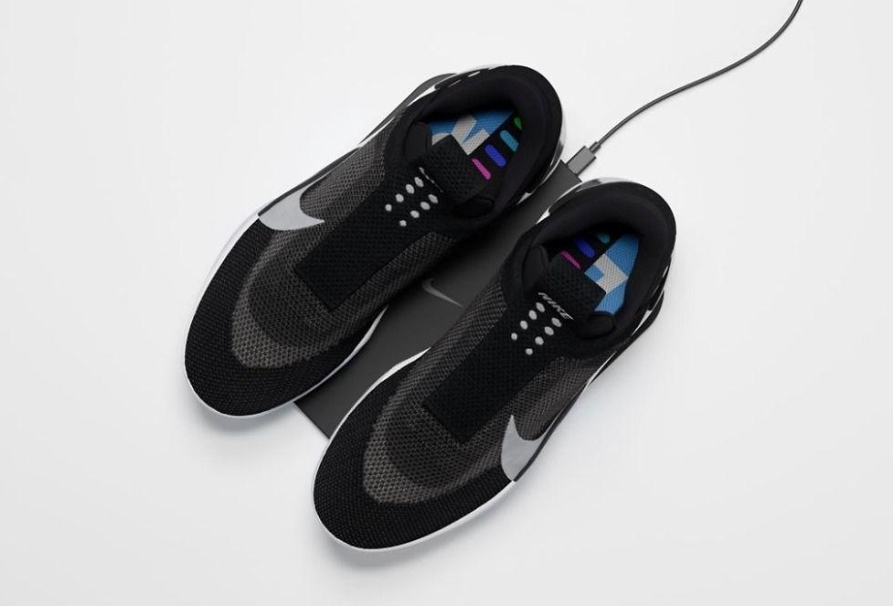 Nike Adapt Bb Sneakers Berteknologi Tinggi Yang Bisa Dikontrol Lewat Smartphone Hai