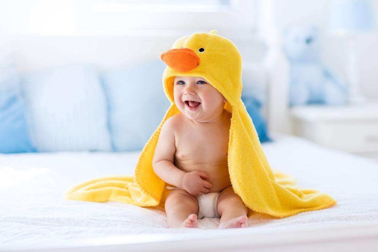 Adik Bayi Tertawa Walaupun Tidak Melihat Hal Lucu Apa
