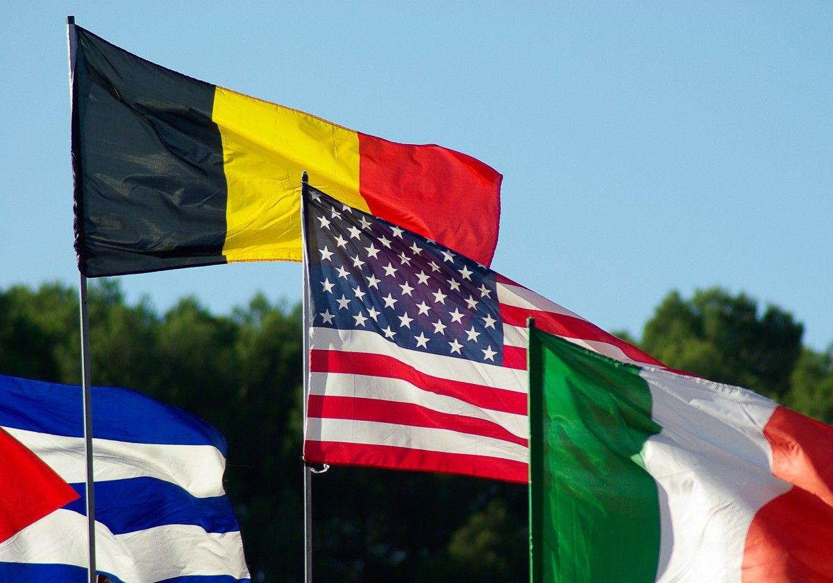 Warna Ungu Jarang Digunakan Pada Bendera Negara Ini