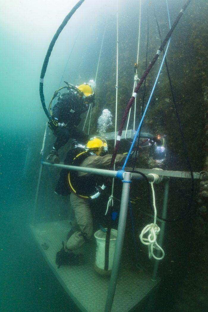 Pertaruhkan Nyawa Tukang Las Bawah Air Digaji Hingga Rp 771 Juta