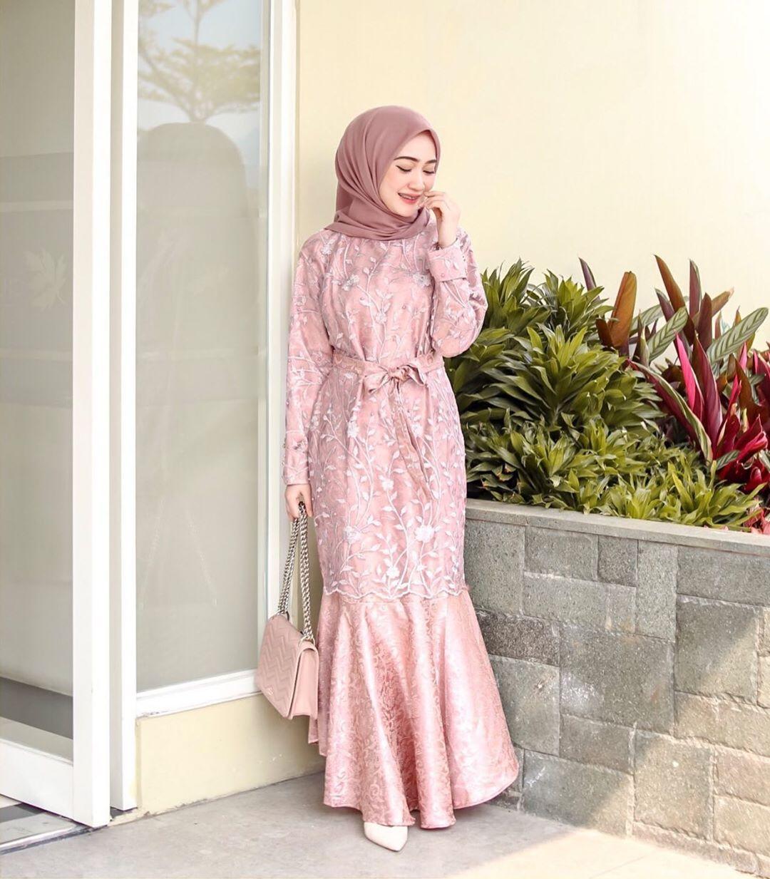 10 Model Dress Duyung Anggun Untuk Hijabers Pengin Tampil Elegan