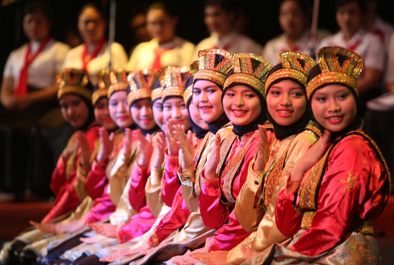 Mengenal 20 Tari Daerah Indonesia, Bentuk Melestarikan Warisan ...