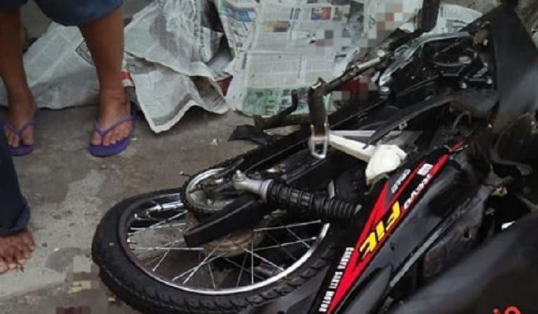 Kecelakaan Maut Honda Revo Fit Hancur Adu Banteng Lawan Truk Korban Ditutup Koran Motorplus