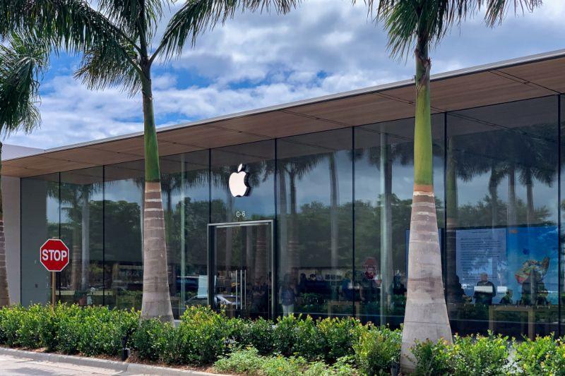 Desain Khas Apple Dihadirkan di Gerai Apple Waterside Shop, Florida