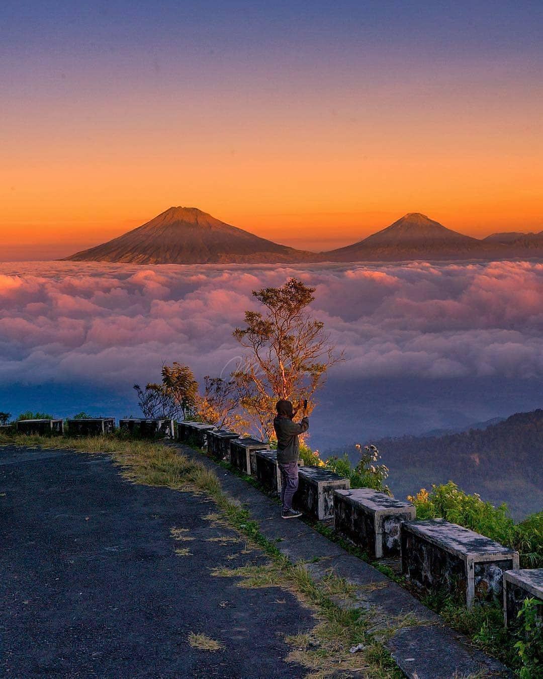 Sedang Viral! ini Dia 9 Lokasi Wisata Negeri di Atas Awan yang