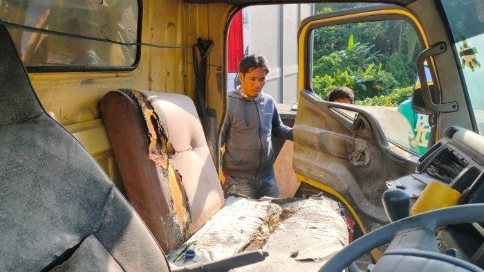Seorang Wanita Dibakar Hidup Hidup Di Dalam Mobil