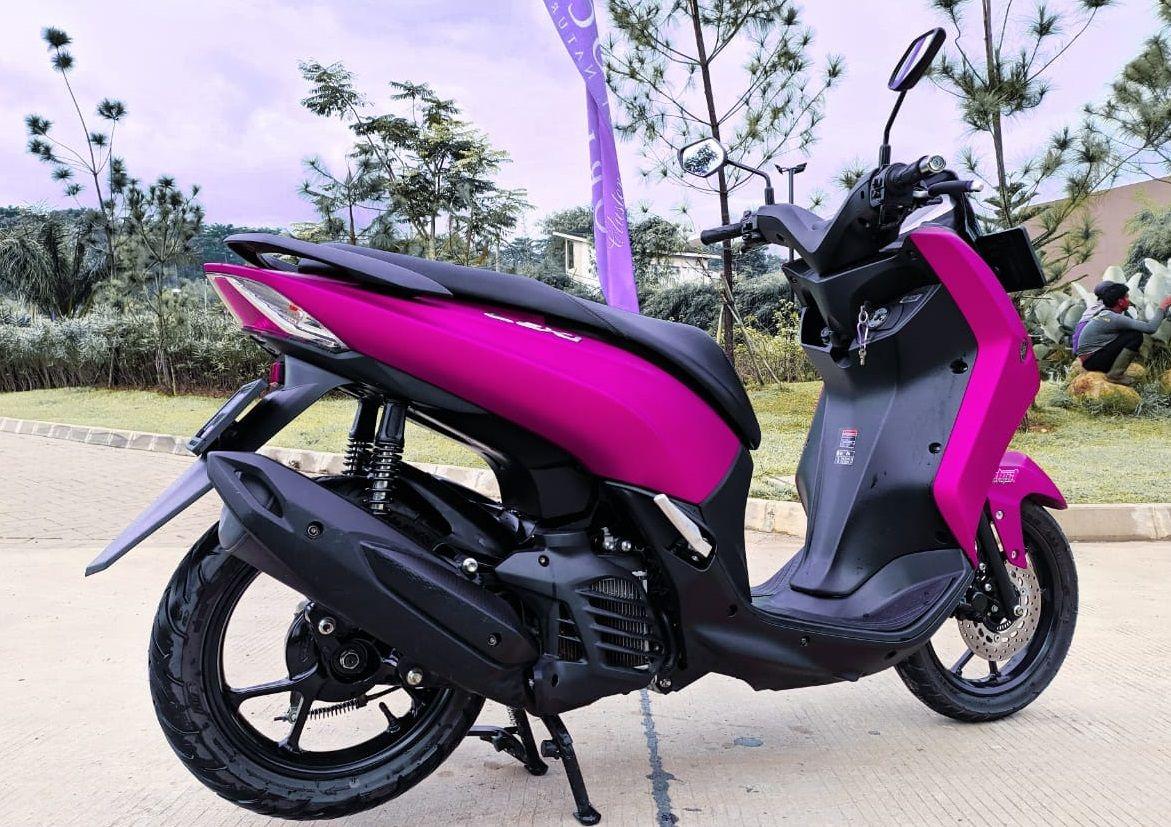 Demam Pasang Sokbreker Belakang Yamaha Lexi Jadi Dobel Diajak Manuver Makin Enak Motorplus