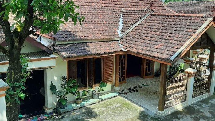 Intip Rumah Keluarga Didi Kempot Di Ngawi Terlihat Unik Bangunan Khas Pedesaan Jawa Semua Halaman Grid Id
