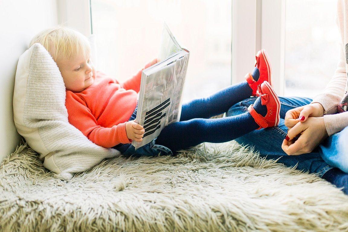 Hindari Kebiasaan Membaca Sambil Tiduran, Bisa Sebabkan Mata Lelah Karena 2  Hal Ini - Semua Halaman - Bobo