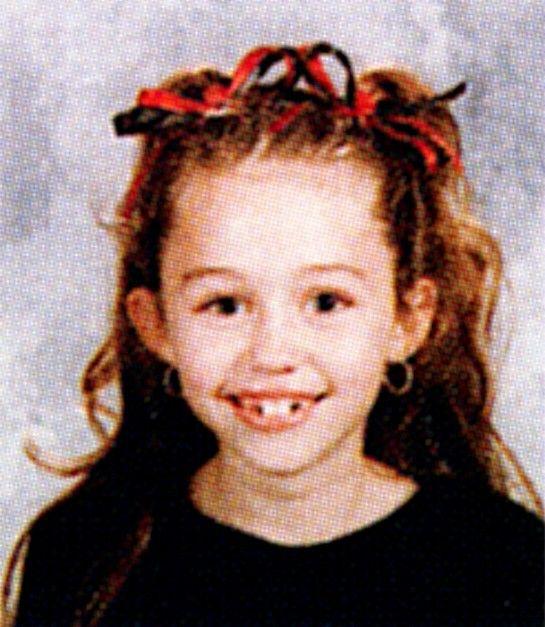 Foto jadul Miley Cyrus kelas 3