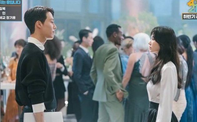 Jang Ki Yong dan Song Hye Kyo di foto teaser drama Now, We Are Breaking Up'
