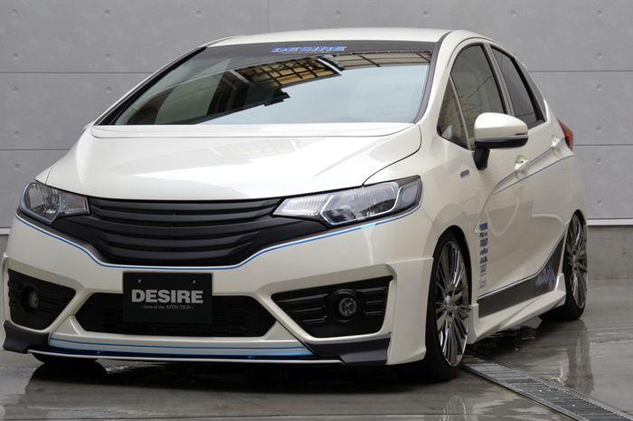 Tampilan modifikasi Honda Jazz dari Jepang