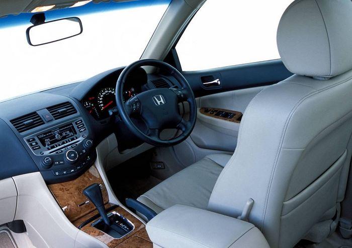 Kabin Honda Accord gen-7