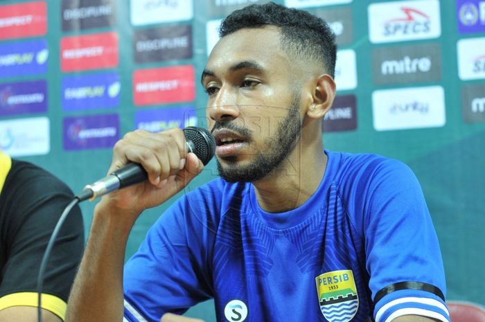 Pemain muda hasil diklat Persib Bandung, Julius Josel, mengungkapkan keinginannya usai resmi dapat turun bermain bersama skuad senior di putaran kedua Liga 1 2019.