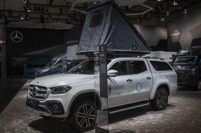 Mercedes-Benz X-Class dengan Roof Tent