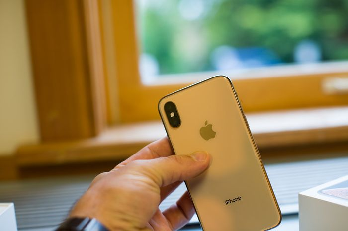 iPhone XS Max with Dual Camera