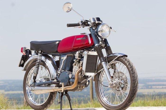 Honda SS50 bermesin Kawasaki KX250F