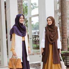 Ini Rekomendasi Pleated Skirt Murah ala Zaskia dan Shireen Sungkar